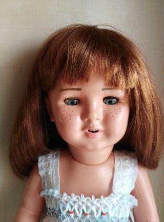 antigua muñeca de terracota restaurada