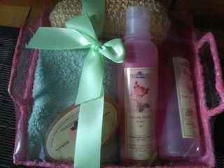 cesta baño rosas nueva