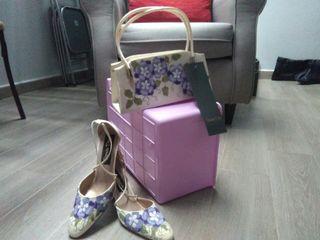 Zapatos mujer y bolso a conjunto