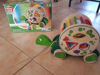 Tortuga infantil rotatori de madera