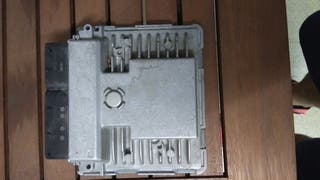 centralita motor 03F906070EB