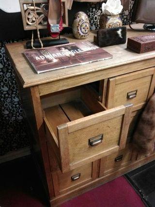 Mueble cajonera artesanal en Haya maciza años 60