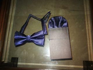 Pajarita y pañuelo azul