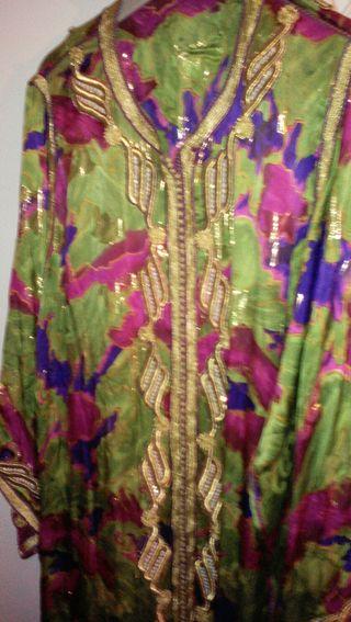 traje de seda
