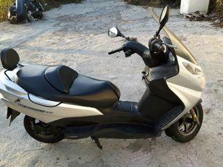 Moto suzuki burgman 150cc . 46 ml km año 2004