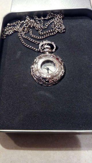 Colgante-reloj