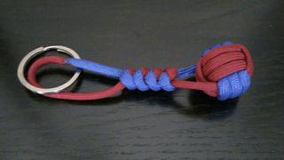 Llavero bola paracord