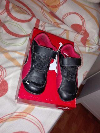 vendo una zapatilla para niño
