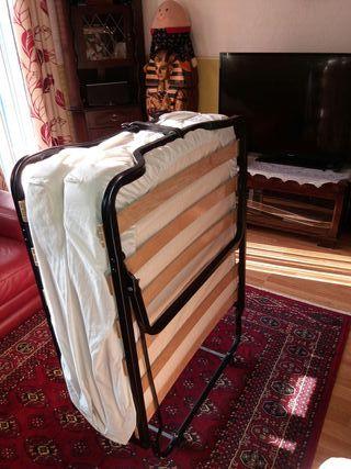 single deluxe camper bed