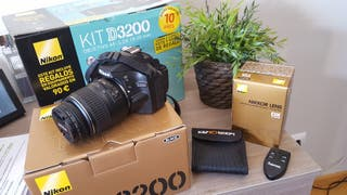 Nikon D3200 + Equipo fotográfico