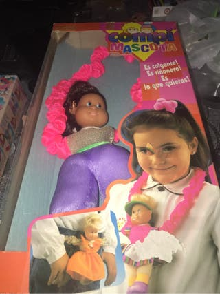 Muñeca famosa compi mascota