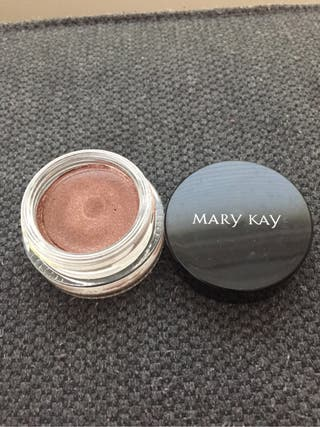 Cream eye shadows in different colours