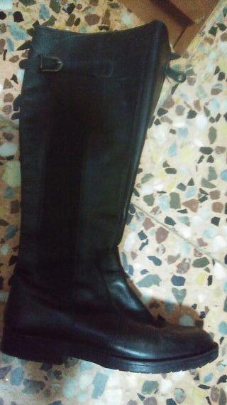 botas de piel Primigi N38 en muy buen estado