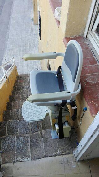silla sube personas o con minusvalías