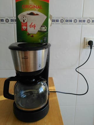 Cafetera Lacor.
