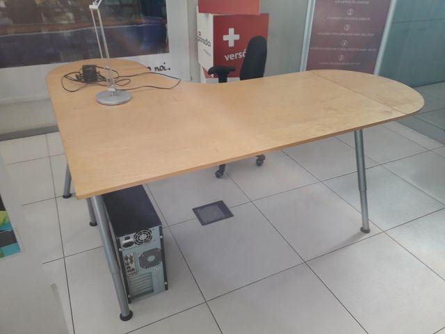 Mesas escritorio o despacho ikea de segunda mano por 40 en toledo wallapop - Ikea mesas de escritorio ...