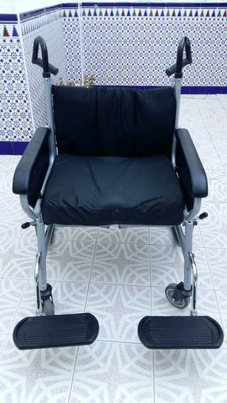 silla de ruedas XXL, poco uso, seminueva reforzada