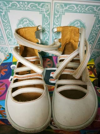 sandalias mujer talla 37 blancas marca Art