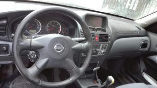 Nissan Almera 2.2 año 2004