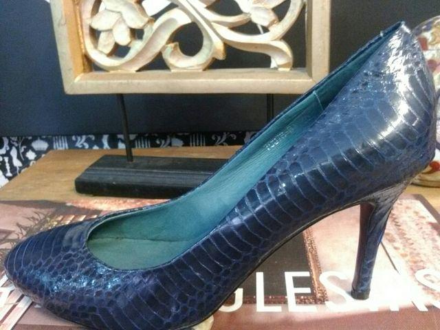 zapato piel labrada azul