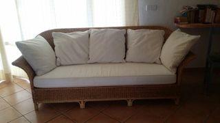 vendo sofa de Ratan con cogines