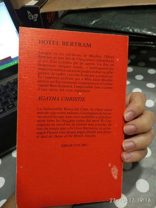 Hotel Bertram. Agatha Christie