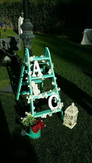 Escalera restaurada para decoración de bodas