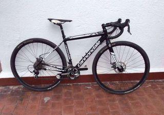 Bicicleta Ciclocross Cannondale
