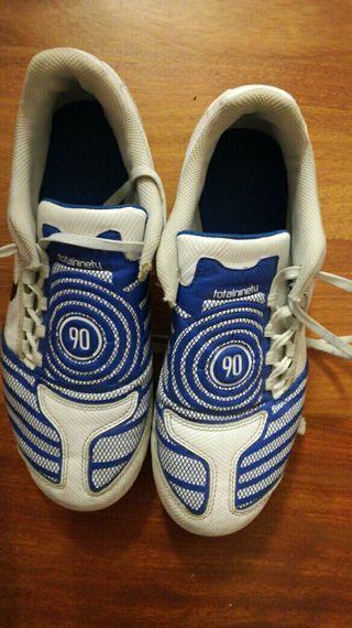 Botas fútbol tacos talla 38,5 Nike
