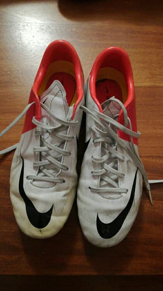Botas de fútbol tacos Nike talla 38