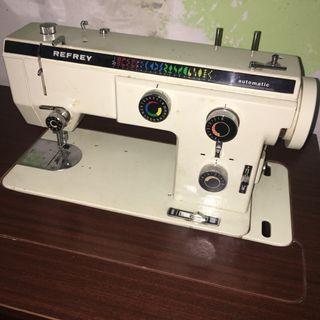 Maquina coser Refrey 527