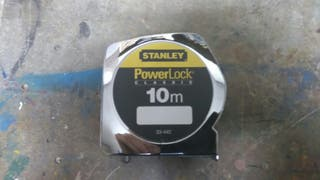 Cinta metrica de 10 metros Stanley.