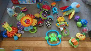 juguetes bebé varios