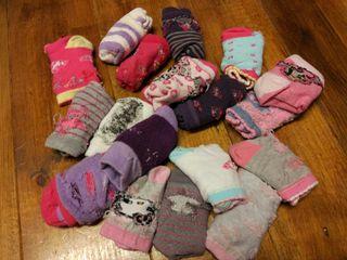 18 pares calcetines del 23 al 26