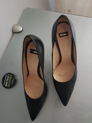 zapato negro talla 37