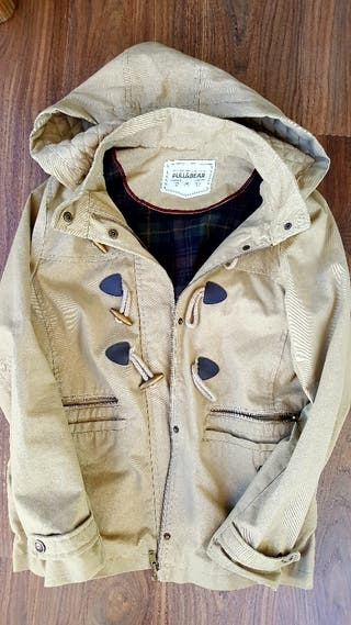 Chaqueta beige pull and bear