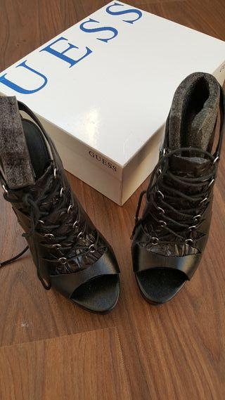 zapato Guess