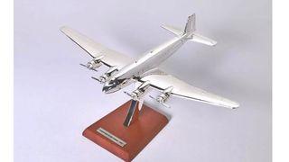 05. Precioso avión de colección Focke Wulf Cóndor