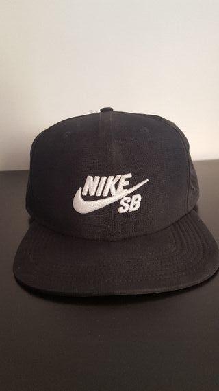 Gorra Nike SB