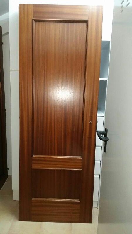 Puerta interior con manillas y jambas de segunda mano por - Manillas de puertas de interior ...