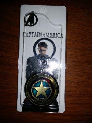 llavero metálico Capitán América nuevo dorado