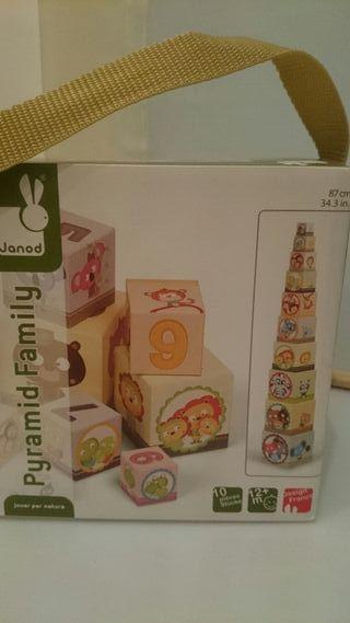 Juego de cubos apilables de carton