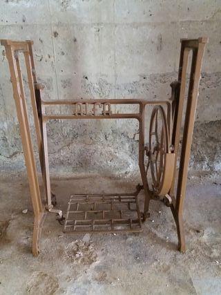 pies de maquina de coser antigua