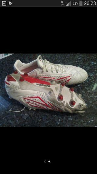 botas de futbol 44.