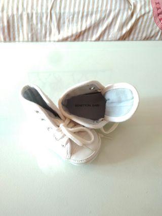 Zapatillas bebe talla 16 sin estrenar