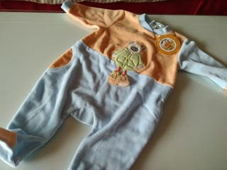 Pijama de bebe sin estrenar 6 meses