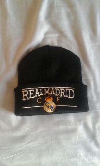 Gorra negra Real Madrid de segunda mano en WALLAPOP ee1cffd9db6