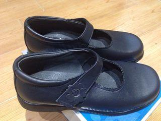 Zapato de piel talla 34