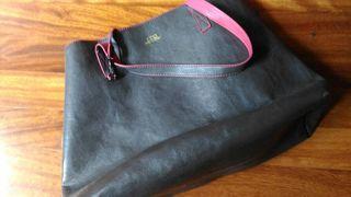 2x1 bolso marron grisaceo y fucsia