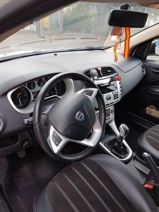 Lancia Delta 2010